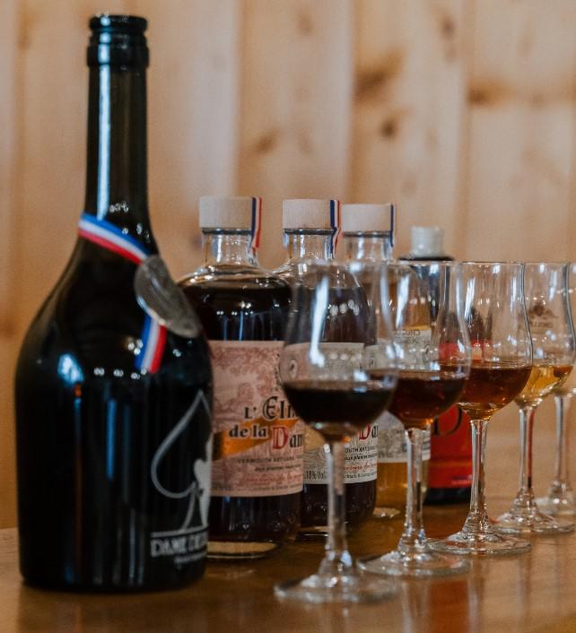 bouteilles-Maison-dame-et-djinSpirits